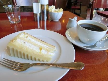 ハーブスのハーフサイズのマロンケーキ