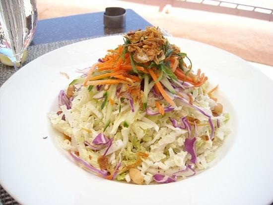 クリスピー・タイ風サラダ