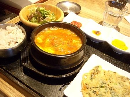 韓美膳のスンドゥブランチ