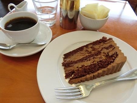ハーブスのチョコレートケーキハーフサイズ