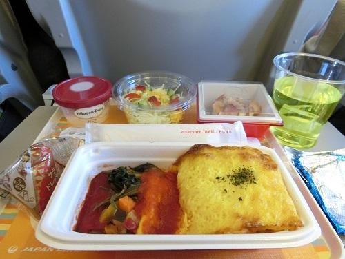 セントレア発台北行き機内食