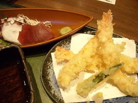 嘉文ランチ 海老の天ぷらと刺身